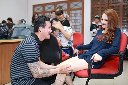 """huong giang idol duoc ban trai """"cung nhu trung"""" - 3"""
