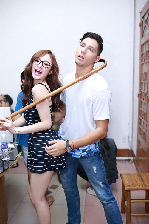 """huong giang idol duoc ban trai """"cung nhu trung"""" - 9"""