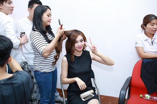 """huong giang idol duoc ban trai """"cung nhu trung"""" - 15"""