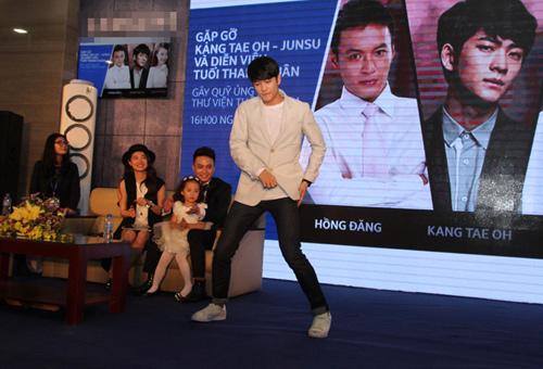 "kang tae oh cua tuoi thanh xuan bi ""bao vay"" tai hn - 12"