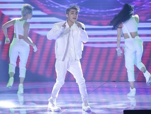 isaac bat ngo vuot diem son tung m-tp tai the remix - 10