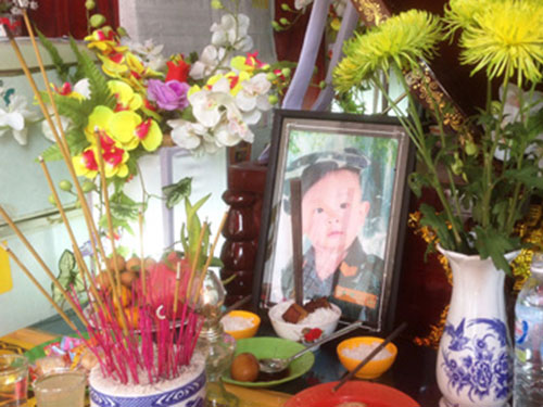 me mang thai 7 thang chung kien con trai chet vi dieu 'khung' - 1