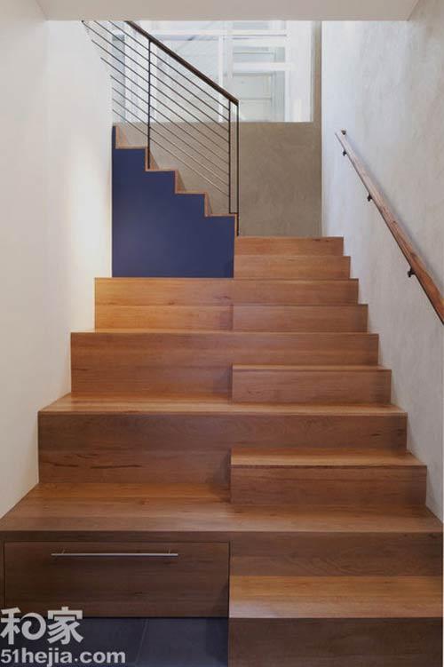 Muôn cách tận dụng gầm cầu thang chứa đồ cho nhà nhỏ - 3
