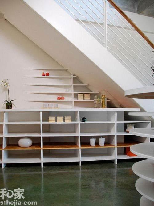 Muôn cách tận dụng gầm cầu thang chứa đồ cho nhà nhỏ - 8