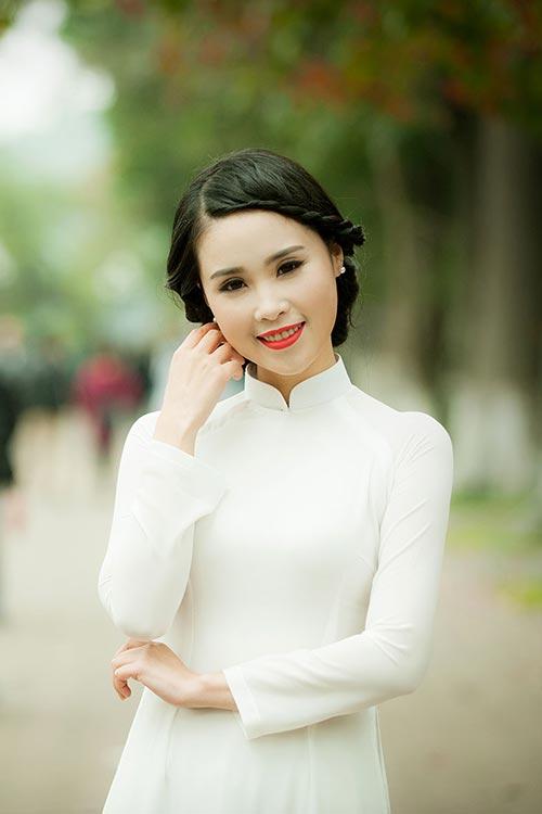 a khoi luu ly tinh khoi ao dai trang don he - 4