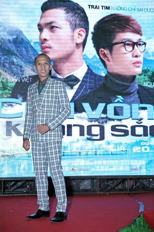 """vo chong gia bao """"tron"""" con di xem phim dong tinh - 6"""