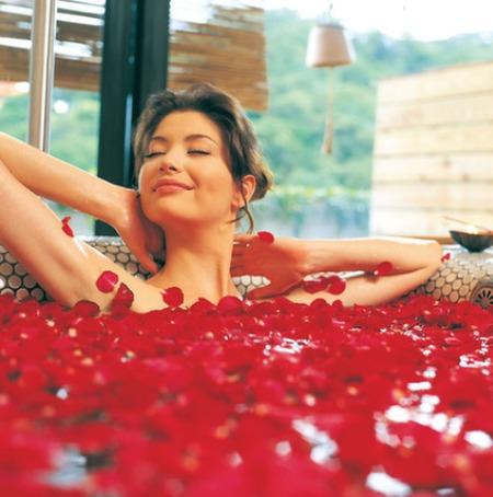 Những tác dụng 'không tưởng' của nước hoa hồng - 4