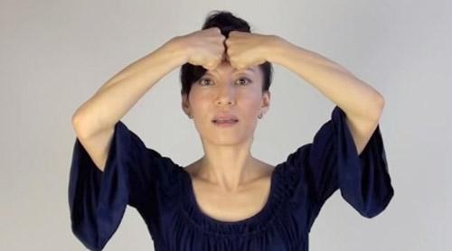 cac dong tac tre hoa bang yoga cho khuon mat (p1) - 6
