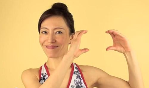 cac dong tac tre hoa bang yoga cho khuon mat (p1) - 1