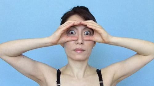 cac dong tac tre hoa bang yoga cho khuon mat (p1) - 4