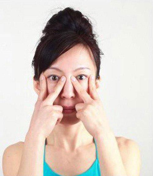 cac dong tac tre hoa bang yoga cho khuon mat (p2) - 1