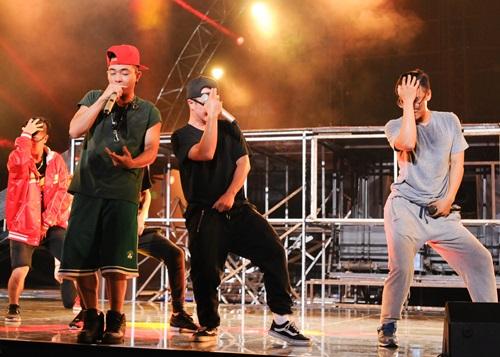 isaac mạo hiẻm hat hit cua bang kieu tại the remix - 11