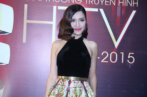 thuy tien khoe dui thon gon khi duoc bung be - 10