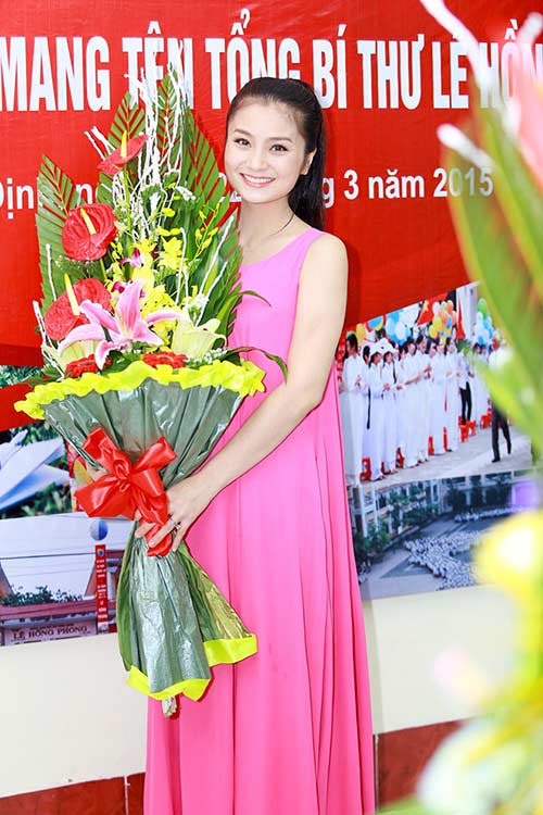 dien vien dieu huong mang bau lan 2 - 1