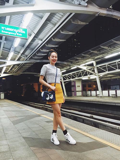 minh hang khoe thoi trang he tuoi roi o thai lan - 1