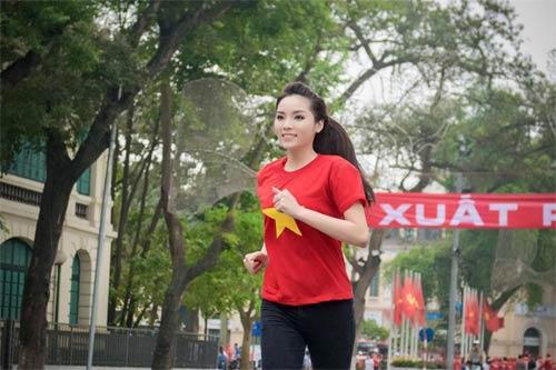 kim hien hanh phuc duoc di cham soc chu dao - 4