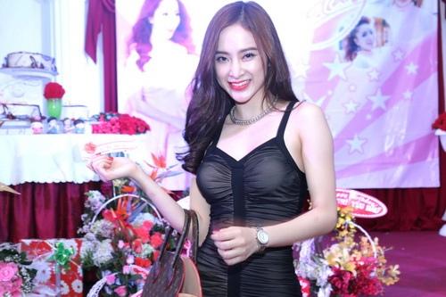 angela phuong trinh, lan ngoc gian di van goi cam - 1