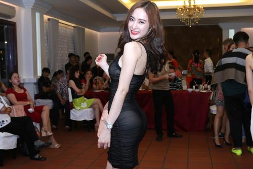 angela phuong trinh, lan ngoc gian di van goi cam - 3