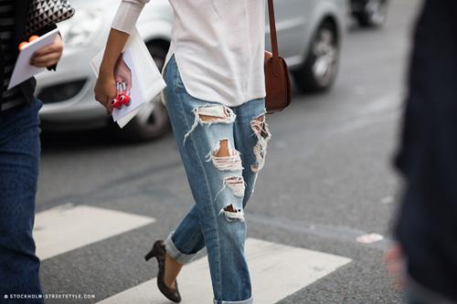 'cham mat' nhung co nang phat cuong vi jeans rach - 17