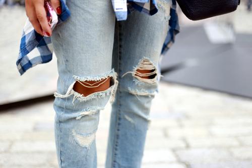 'cham mat' nhung co nang phat cuong vi jeans rach - 14