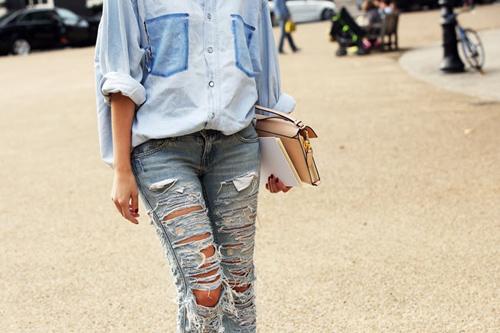 'cham mat' nhung co nang phat cuong vi jeans rach - 16