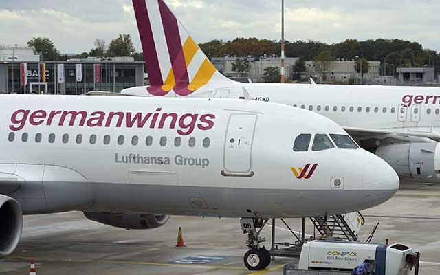 airbus a320 roi: phi cong, tiep vien germanwings so hai, tu choi bay - 1