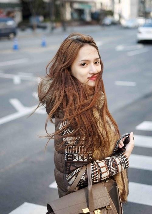 huong giang idol lang man hon ban trai tren duong pho - 11