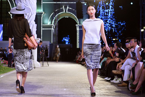khoi dong hao hung cung dep fashion runway 4 - 4