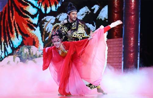 angela phuong trinh khoa moi ban nhay dam duoi - 1