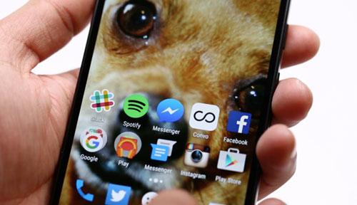 5 smartphone tam trung tot nhat trong 2015 - 2