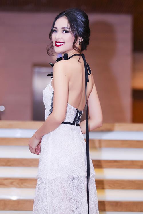 tuan qua: ha vi, angela phuong trinh ho khon kheo - 2