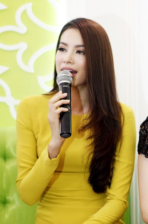 hoa hau pham huong kin dao van hut moi anh nhin - 4