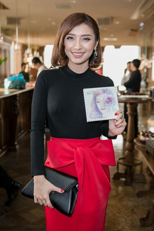 dan cuu thi sinh the voice den chuc mung dinh huong - 5