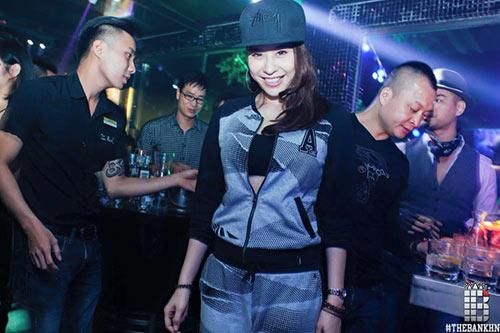 me don than 9x trai long canh sang ban gio xao, toi len bar - 4