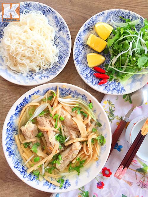 canh mang tuoi suon nong hoi an kem bun - 6