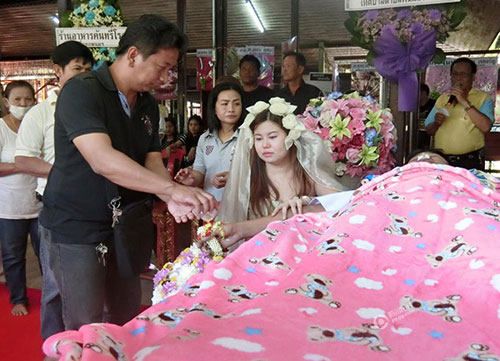 8x Thái Lan quyết kết hôn với bạn trai đã chết-1