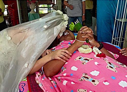 8x Thái Lan quyết kết hôn với bạn trai đã chết-3