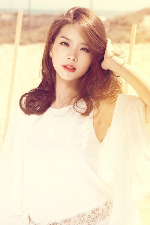 Á hậu Diễm Trang gợi cảm khó cưỡng sau đám cưới xa hoa-13