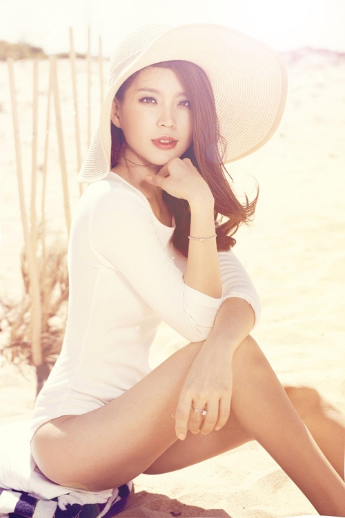Á hậu Diễm Trang gợi cảm khó cưỡng sau đám cưới xa hoa-5