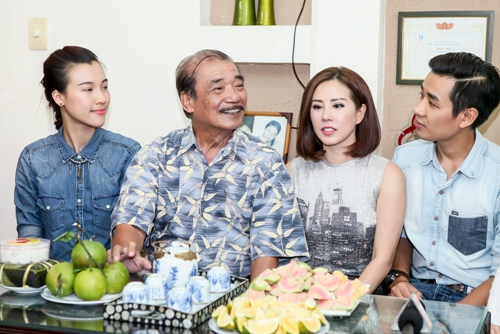 Lan Khuê, Thu Hoài, Nguyên Khang đến thăm nhạc sĩ Trần Hiếu-7