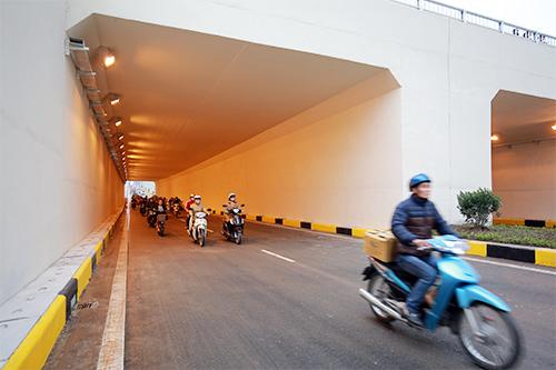 Thông xe hầm chui giao lộ 4 tầng đầu tiên ở Hà Nội-7