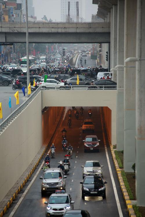Thông xe hầm chui giao lộ 4 tầng đầu tiên ở Hà Nội-9