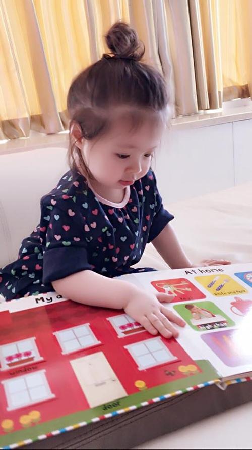Elly Trần công bố ảnh cận mặt con trai Alfie - 10