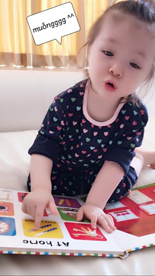 Elly Trần công bố ảnh cận mặt con trai Alfie - 11