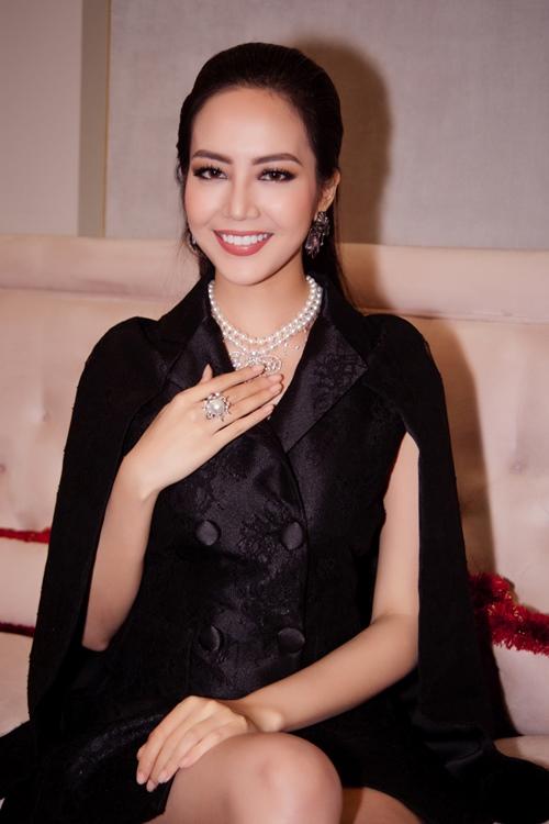 Lý Nhã Kỳ đeo trang sức hơn 3 tỷ rạng rỡ tại sự kiện-7