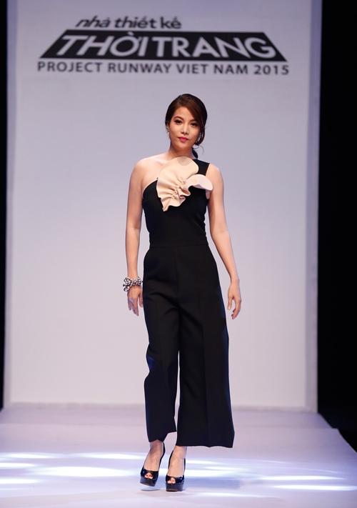 Thời trang nhạt nhòa của Trương Ngọc Ánh khi làm Host-2