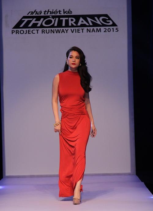 Thời trang nhạt nhòa của Trương Ngọc Ánh khi làm Host-3