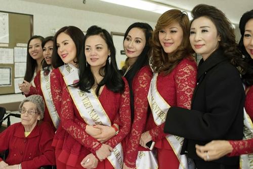 HH Hà Kiều Anh bắt tay vào làm việc sau khi sinh con gái-5