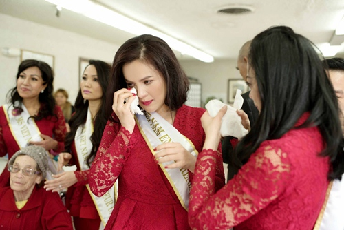 HH Hà Kiều Anh bắt tay vào làm việc sau khi sinh con gái-7