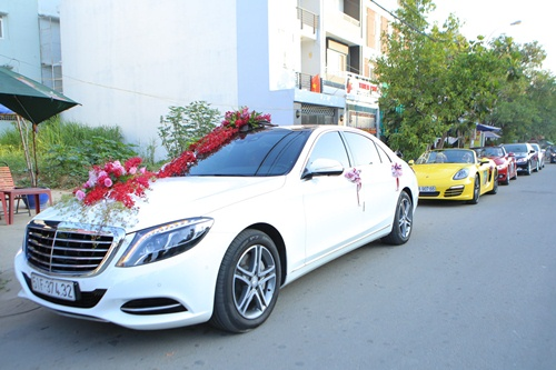 Ông xã Vân Trang đưa dàn siêu xe đi rước dâu-1